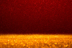 Абстрактная предпосылка заполненная с сияющим красным ярким блеском стоковые изображения