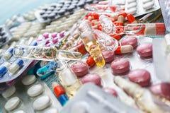 Абстрактная предпосылка пилюлек медицины Стоковая Фотография RF