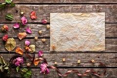 Абстрактная предпосылка праздника с листом скомканный Стоковое Изображение