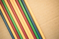 абстрактная предпосылка - сторона - мимо - сторона покрасила пластичные трубки Стоковые Изображения RF