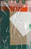 абстрактная предпосылка Часть коричневой упаковки перехода картона заштукатурила с покрашенными клейкая лента для герметизации тр Стоковые Фото