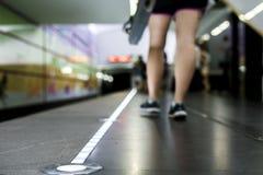 Абстрактная современная концепция предпосылки станции метро с космосом экземпляра стоковые фотографии rf