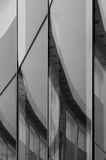Абстрактная стеклянная стена с отражением Стоковые Фото