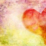 Абстрактная стена, кирпич, треснутая краска и сердце. Стоковая Фотография