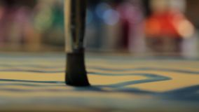Абстрактная съемка paintbrush приходя в фокус сток-видео