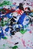 Абстрактная темнота - красные оранжевые черные розовые голубые розовые цвета и оттенки Абстрактная влажная предпосылка краски Пят стоковое изображение