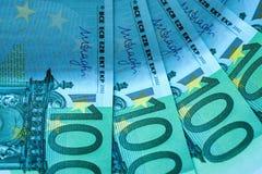 Абстрактная часть банкнота 100 евро Стоковое фото RF
