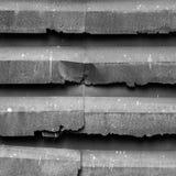 Абстрактная черно-белая старая заржаветая крыша плиты оцинкованной стали Стоковые Фото