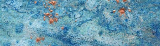 Абстрактная marbleized предпосылка влияния Голубые творческие цвета Красивая краска с дополнением золота r стоковая фотография rf