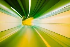 Абстрактное движение в тоннеле дороги шоссе, запачканная кудель скорости движения Стоковая Фотография