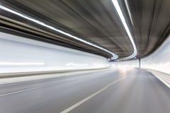 Абстрактное движение в тоннеле дороги шоссе, запачканная кудель скорости движения Стоковые Фото