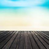 Абстрактное голубое море и белая предпосылка песка на летнем дне песочно Стоковое Изображение