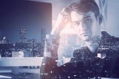 Абстрактное изображение бизнесмена на рабочем месте Стоковые Фото