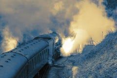 Абстрактное изображение поезда пара на следе стоковые фотографии rf