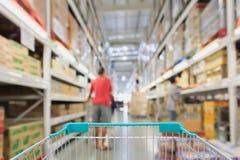 Абстрактное междурядье супермаркета нерезкости Стоковые Изображения