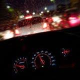 Абстрактное дорожное происшествие в идти дождь день Взгляд от автокресла Стоковые Фотографии RF