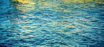 Абстрактное отражение волны воды Стоковая Фотография