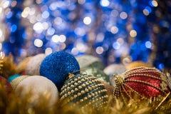 абстрактное рождество шариков предпосылки Стоковое фото RF