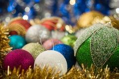 абстрактное рождество шариков предпосылки Стоковое Изображение