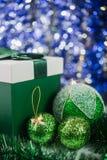 абстрактное рождество шариков предпосылки Стоковые Изображения