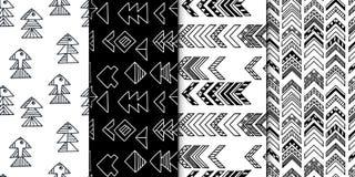 Абстрактной геометрической безшовной картина нарисованная рукой установила с племенными мотивами Современные текстуры Monochrome  Стоковое Изображение