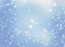 Абстрактные блестящие звезды на предпосылке bokeh Праздничная синь Стоковые Изображения RF