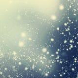 Абстрактные блестящие звезды на предпосылке bokeh Праздничная синь Стоковые Изображения
