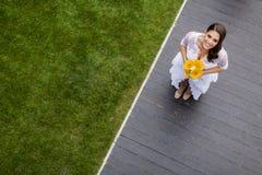 абстрактные детеныши венчания девушки платья невесты предпосылки Стоковые Фото
