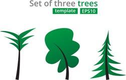 Абстрактные зеленые установленные деревья Концепция для шаблона дизайна с рождественской елкой, пальмой и дубом Стоковые Изображения RF