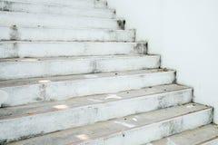 Абстрактные линии на архитектуре деталь зодчества самомоднейшая Уточненная часть современных интерьера/общественного здания офиса Стоковое Изображение