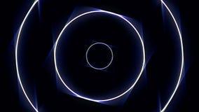 Абстрактные неоновые круги прокладывают тоннель, безшовная петля r Белые и голубые круги двигая бесконечно в тоннель на черноте иллюстрация штока