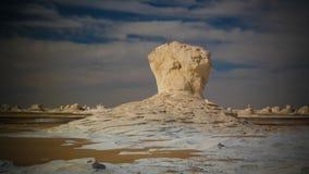 Абстрактные скульптуры горных пород природы aka, белая пустыня, Сахара, Египет Стоковые Фотографии RF