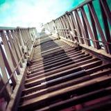 Абстрактный взгляд до лестницы пожарной машины Стоковые Фотографии RF
