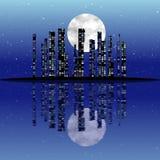 Абстрактный город ночи отражения с луной Стоковое Изображение