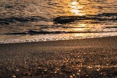Абстрактный заход солнца предпосылки пляжа песка на songkhla в Таиланде Стоковое Изображение RF