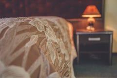 Абстрактный интерьер спальни нерезкости для предпосылки - винтажного фильтра Стоковое Изображение