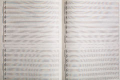 Абстрактный лист музыки на белой, безшовной картине стоковое изображение rf