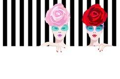 Абстрактный портрет акварели удивил 2 девушку модельную, красная роза шляпы розовая Стоковые Фотографии RF