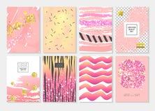 Абстрактный шаблон карточки установленный с золотым ярким блеском и розовой нарисованными рукой элементами Дизайн приглашения бро Стоковые Фото