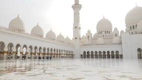 Абу-Даби, ОАЭ - 31-ое марта 2019 Шейх Zayd Больш Мечеть видеоматериал