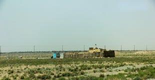 Аванпост Афганистана военный в середине пустыни стоковые изображения rf