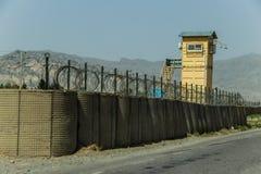 Аванпост Афганистана военный в середине пустыни стоковая фотография rf