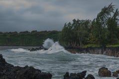 Авария волн на береге Мауи Стоковые Изображения RF