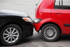 Авария имела 2 автомобиля Стоковое Изображение