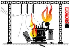Авария на подстанции трансформатора Огонь на трансформаторе Авария электросети Новости светомаскировки Стоковое Фото