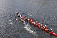 Авария (покинутого) университета и университета Корнеллаа Brock (правая) по мере того как они участвуют в гонке Стоковое Фото