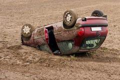 авария столкновения автомобилей автомобиля большая имеет скорость замороженную хайвеем Стоковое фото RF