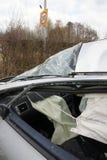 авария столкновения автомобилей автомобиля большая имеет скорость замороженную хайвеем стоковое изображение rf