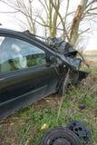 авария столкновения автомобилей автомобиля большая имеет скорость замороженную хайвеем стоковое изображение