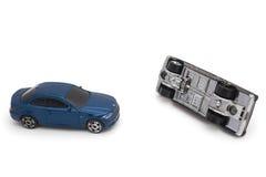 авария столкновения автомобилей автомобиля большая имеет скорость замороженную хайвеем Стоковые Фотографии RF